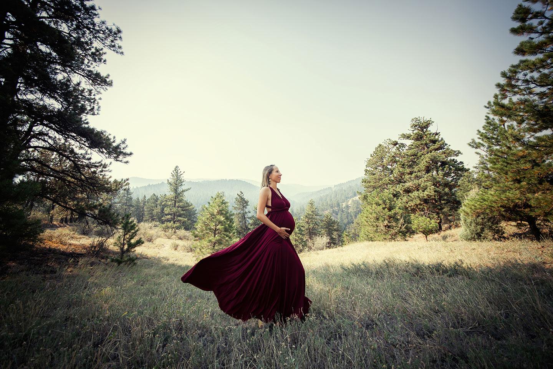 mountain-maternity-photo